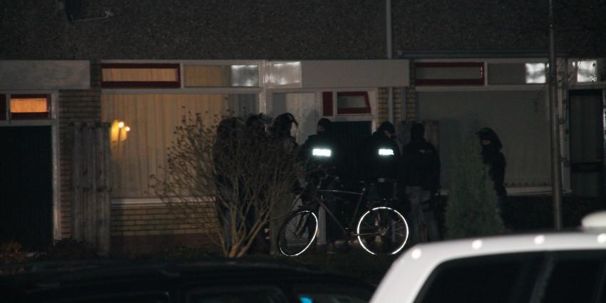 Politie doet inval na gijzeling in woning in Delfzijl