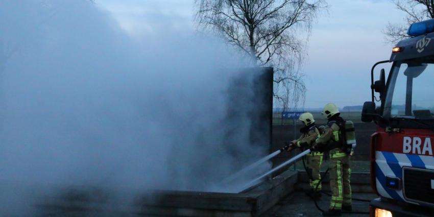 Contaire in brand bij afvalinzamelstation in Gieten