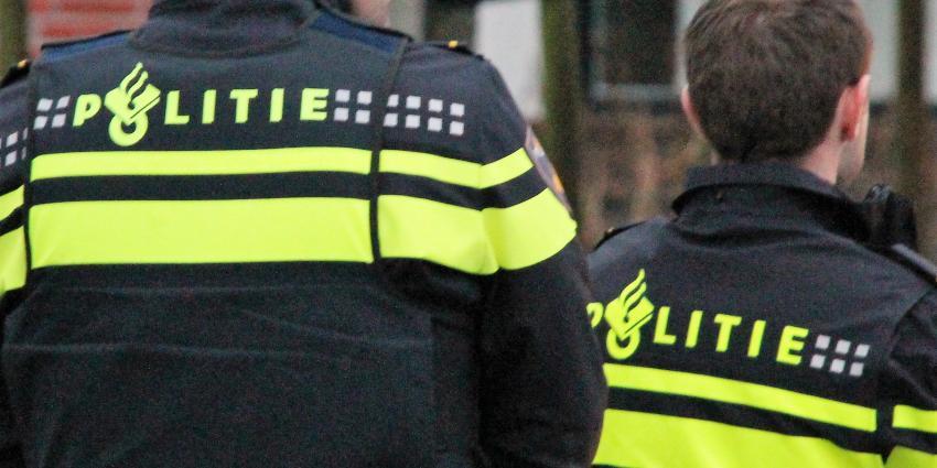 Politie doorzoekt twee woningen in onderzoek dode Haarlemmer