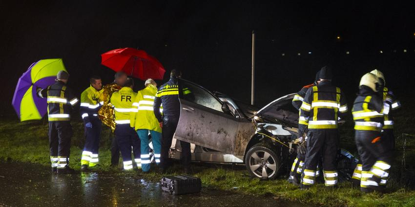 Auto in de sloot in Oirschot