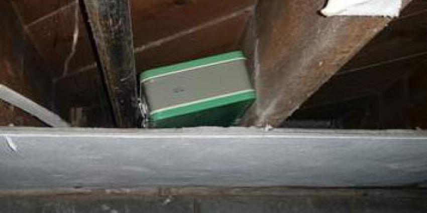 Stel stuit tijdens verbouwing op koffers vol geld