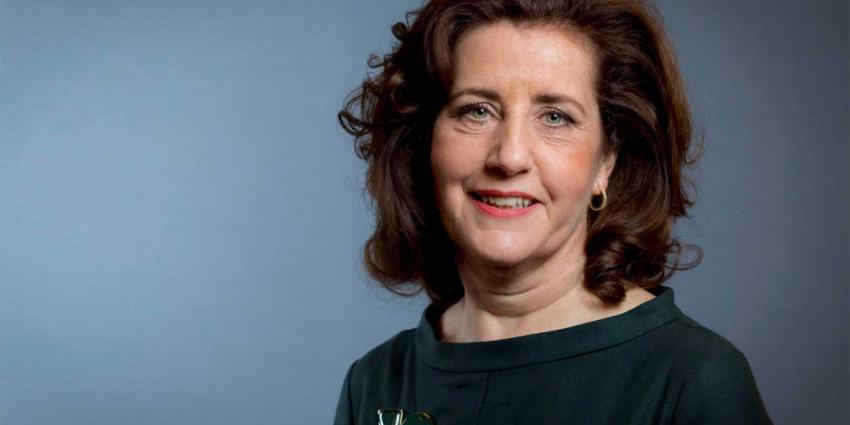 Van Engelshoven over Bedrijvenmonitor Topvrouwen: 'Het is om te huilen'