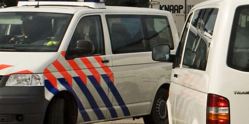 Politie valt café binnen; zeven personen aangehouden en drugs aangetroffen