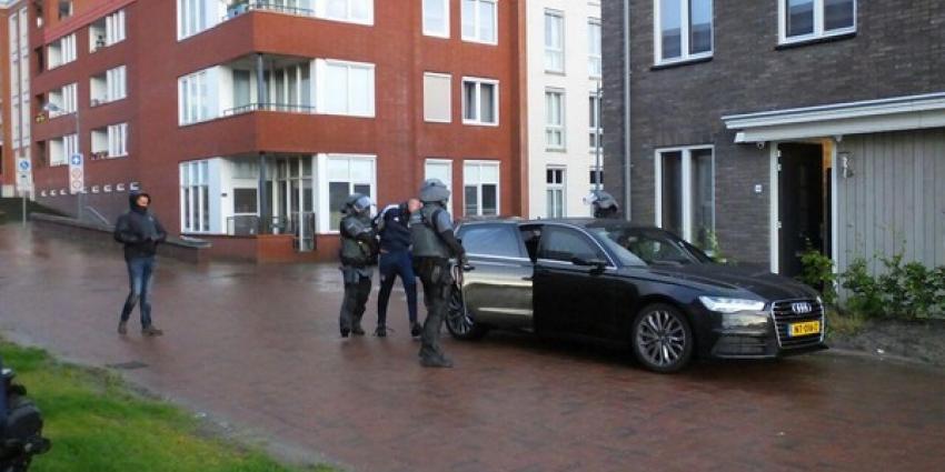 Arrestatieteam doet inval in woning Assen