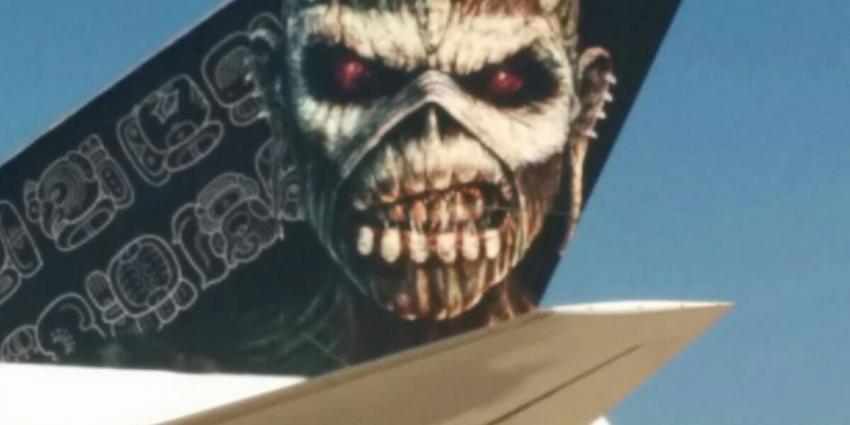 Britse heavy metalband Iron Maiden met eigen Boeing 747 op Schiphol geland