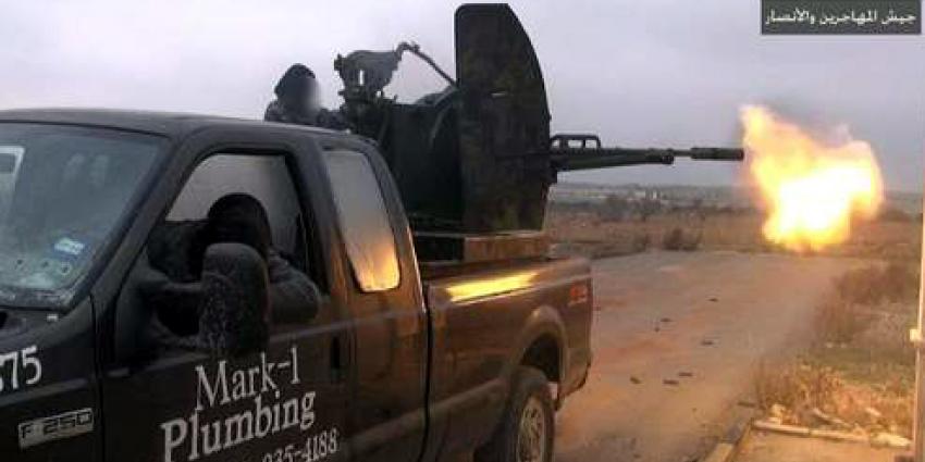 Loodgieter ziet zijn oude bedrijfswagen terug in propagandafilmpje van IS