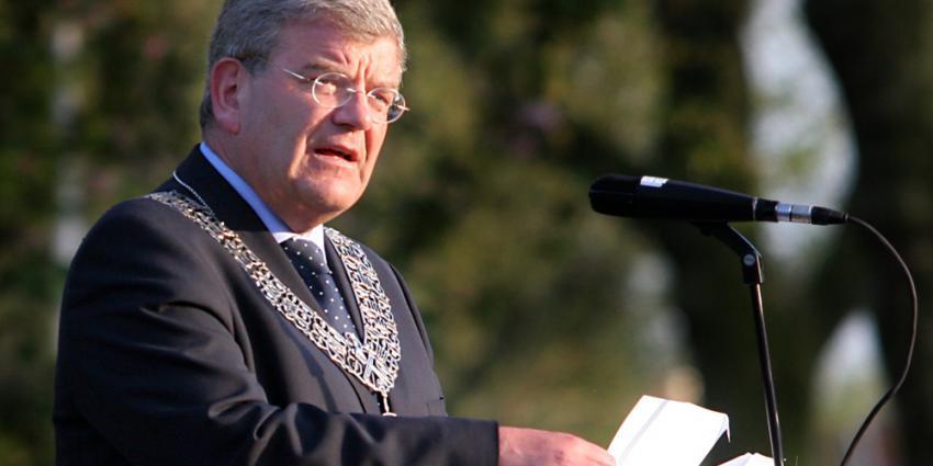 Man verdacht bedreigingen burgemeester Van Zanen wordt vrijgelaten