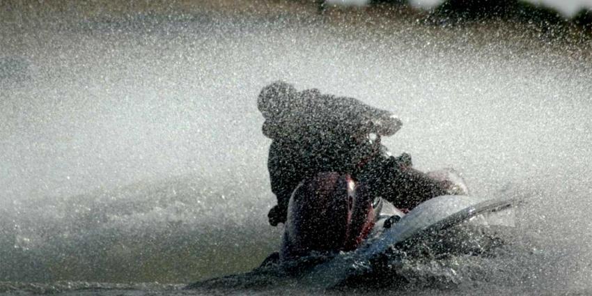 Duitse jongen (17) ernstig gewond bij jetski ongeval op de Maas