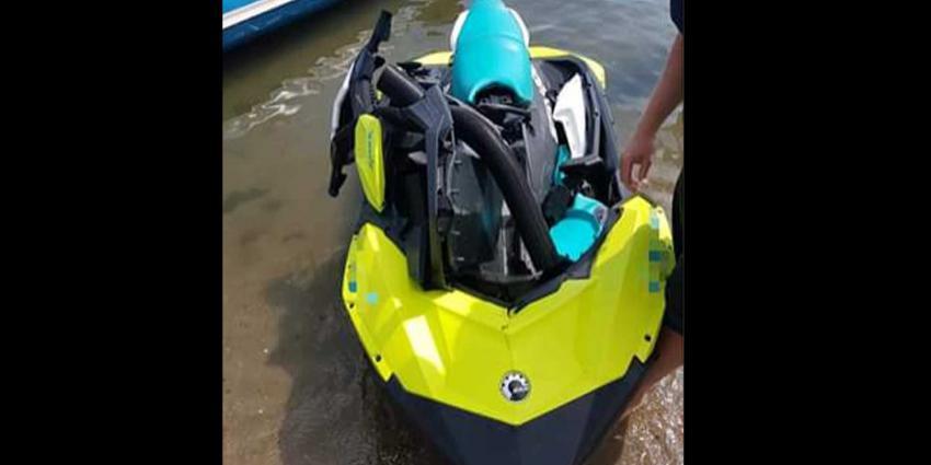 Twee gewonden na frontale aanvaring met jetski op Haringvliet Numansdorp