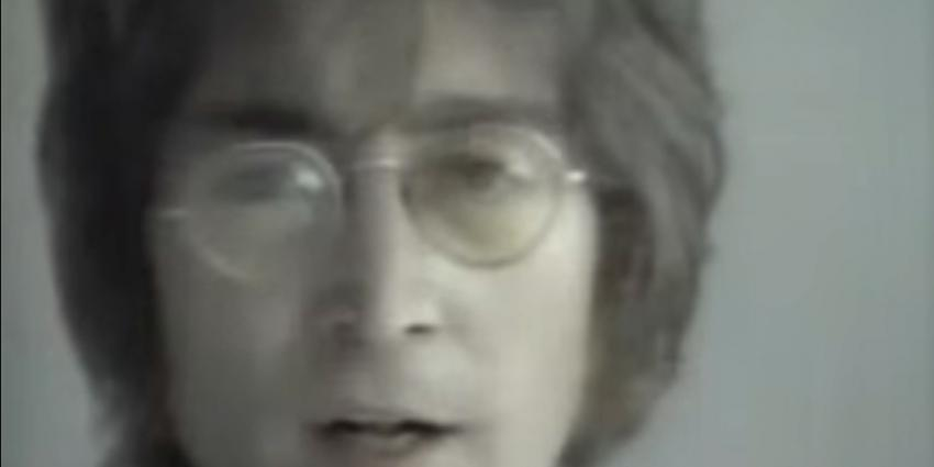 Stuk haar John Lennon geveild voor 35.000 dollar