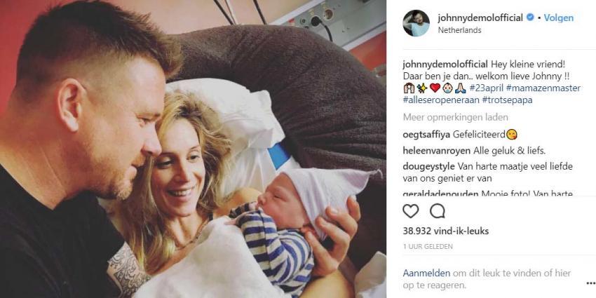 Papa Johnny de Mol toont eerste foto van kind en moeder