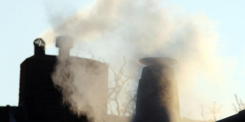 GGD onderzoekt rook van houtkachels