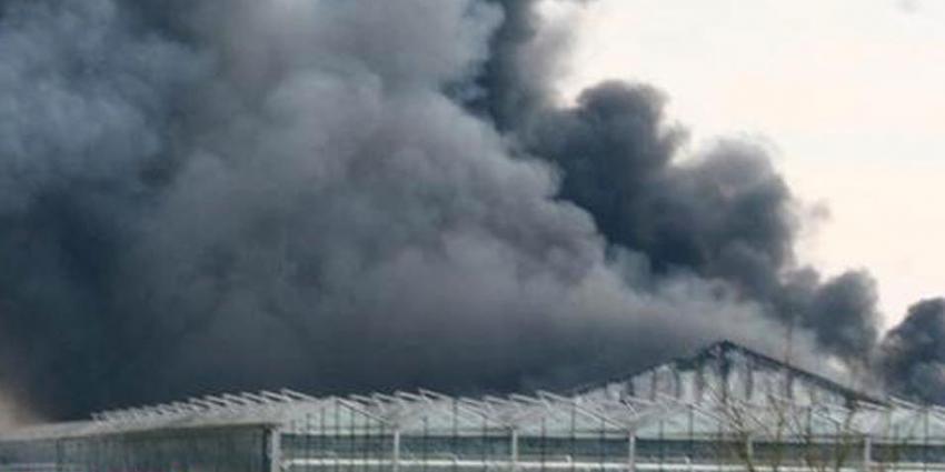 Grote brand in tuincentrum in Uddel