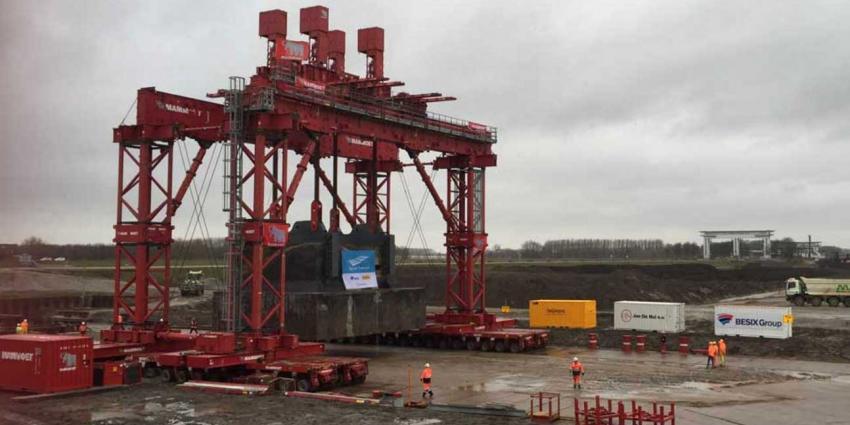 Megaklus verplaatsen 1,2 miljoen kg zware bunker Vreeswijk geslaagd