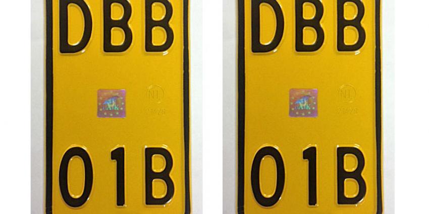RDW brengt nieuwe kentekenreeks voor bromfietsen uit