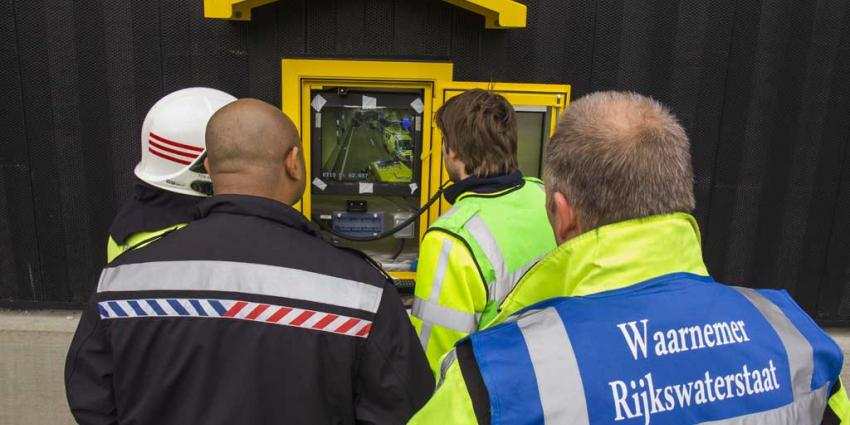 Grootschalige oefeningen hulpdiensten Ketheltunnel nieuwe A4 Schiedam