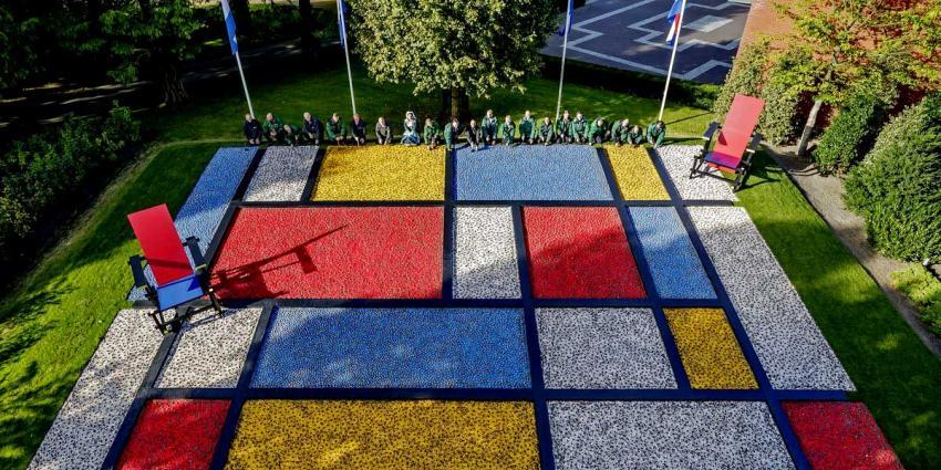 Mondriaan en Rietveld basis thema Dutch Design Keukenhof