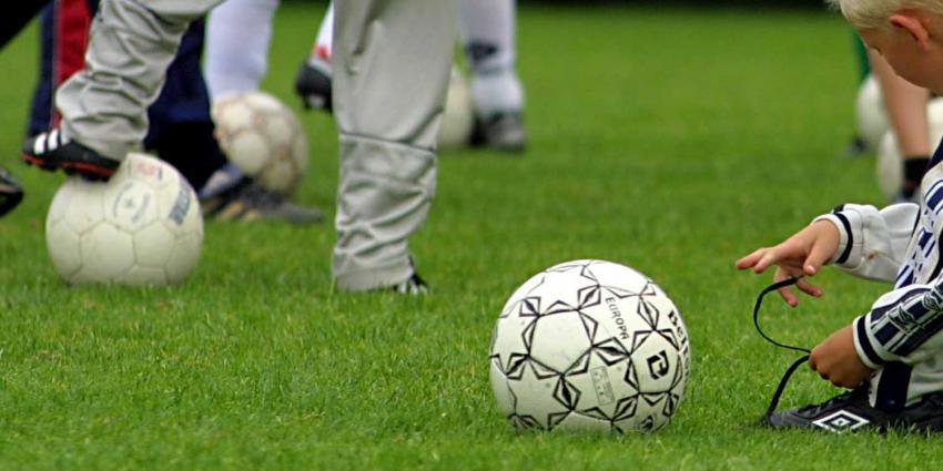 kind-veter-voetbal