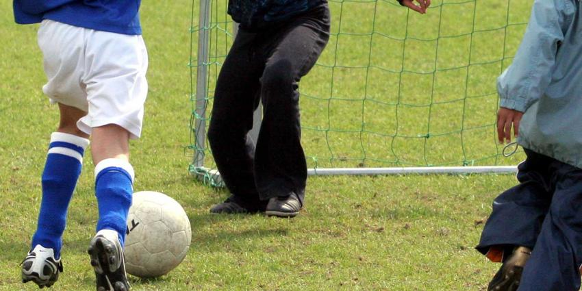 Keeper (13) overlijdt na harde botsing tijdens voetbalwedstrijd
