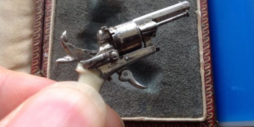 Kleinste pistool ter wereld onder de hamer