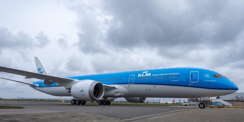 KLM maakt eerste vluchten Dreamliner met passagiers