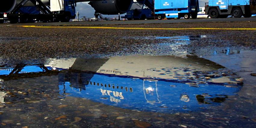 klm-boeing-777-spiegel-plas
