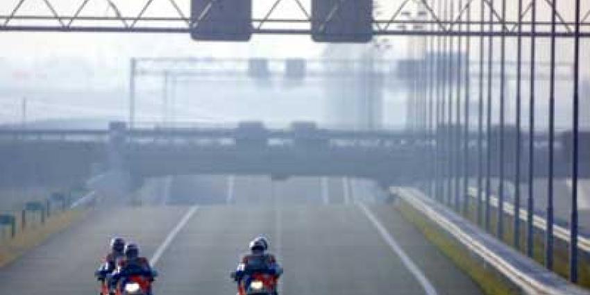 Foto van politiemotoren op lege snelweg | Archief EHF