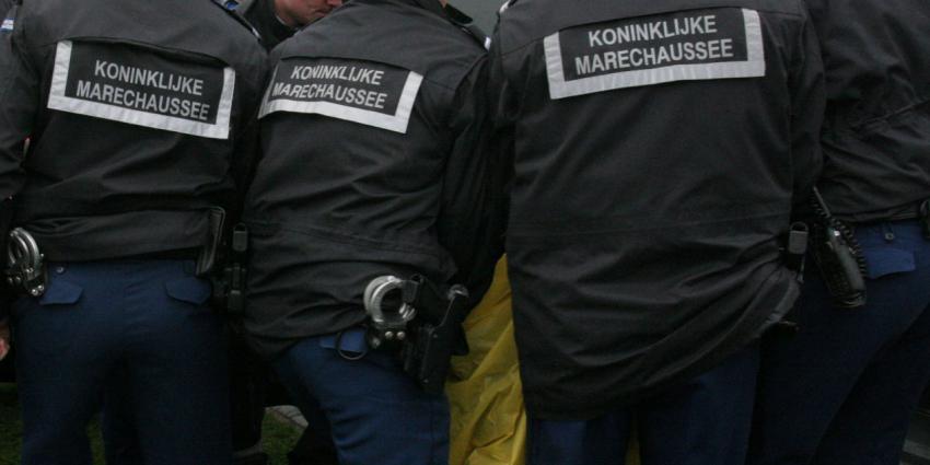 Gevangenisstraf voor omkopen KMar-opperwachtmeester