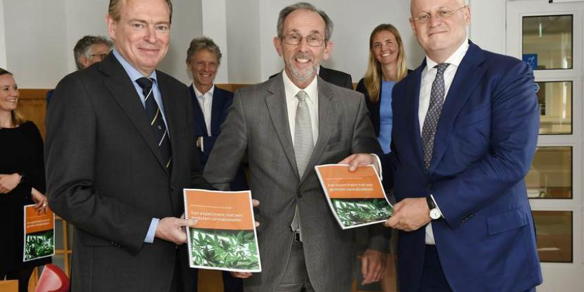 Advies experiment gesloten coffeeshopketen aangeboden aan ministers