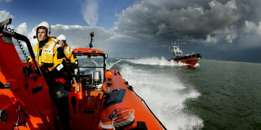 Grote reddingsactie na man overboord op Noordzee
