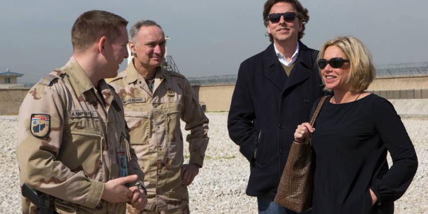 Koenders en Hennis bij Nederlandse militairen in Afghanistan
