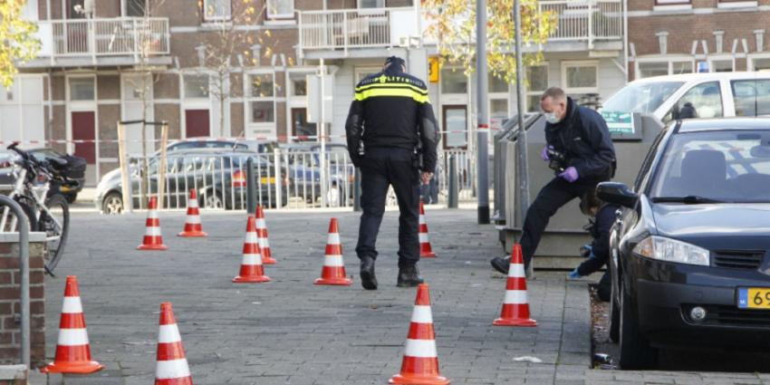 Auto in Rotterdam beschoten