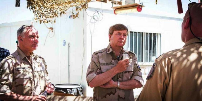 Verrassingsbezoek koning aan tegen ISIS vechtende troepen in Jordanië