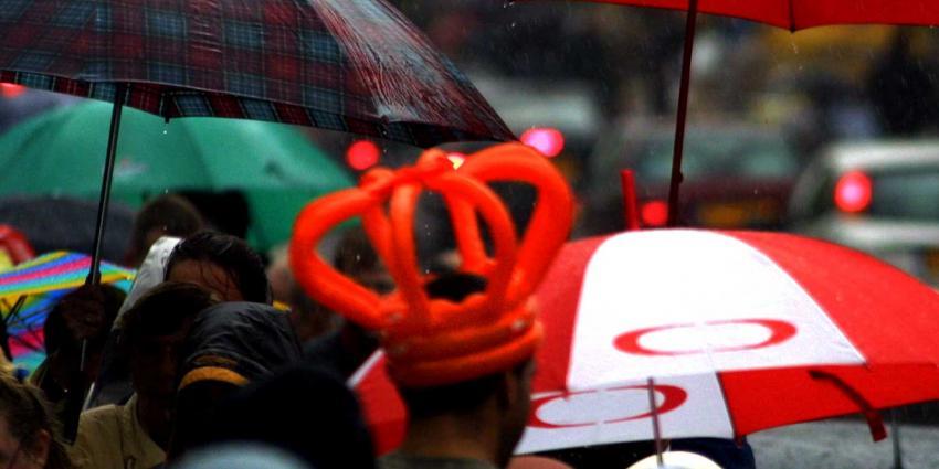 Koningsdag-regen-paraplu