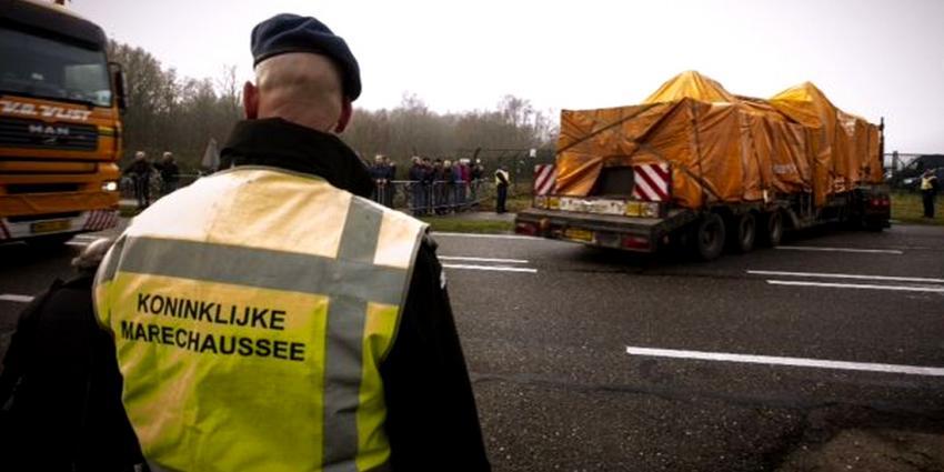 Ruim 500 nabestaanden zien wrakstukken MH17
