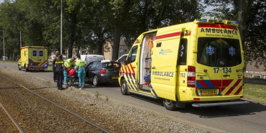 Twee gewonden bij kop-staart aanrijding Schiedam