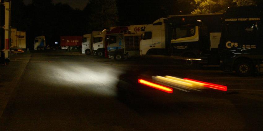 Meeste ladingdiefstallen vrachtwagens bij verzorgingsplaats Hazeldonk langs A16