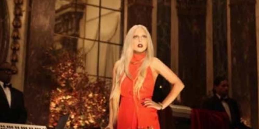Lady Gaga's jumpsuit voor hoogste bieder