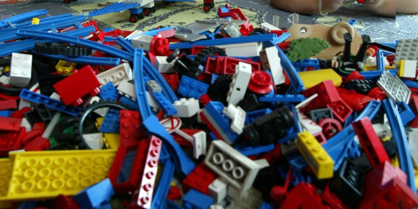 Bak lego via kringloop, blijkt verborgen spaarpot