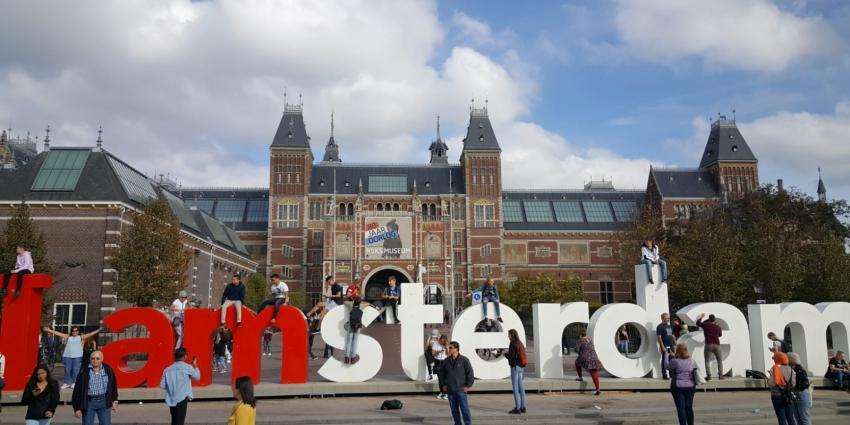Niet alle letters I amsterdam hoeven weg