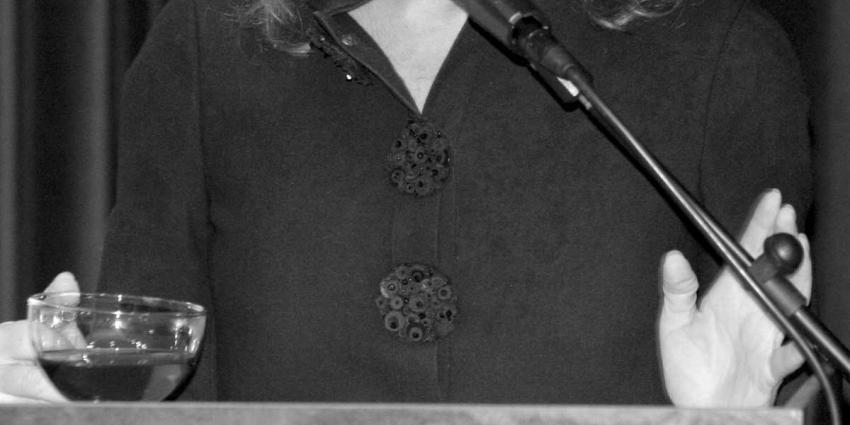 Ester Naomi Perquin volgt Anne Vegter op als Dichter des Vaderlands