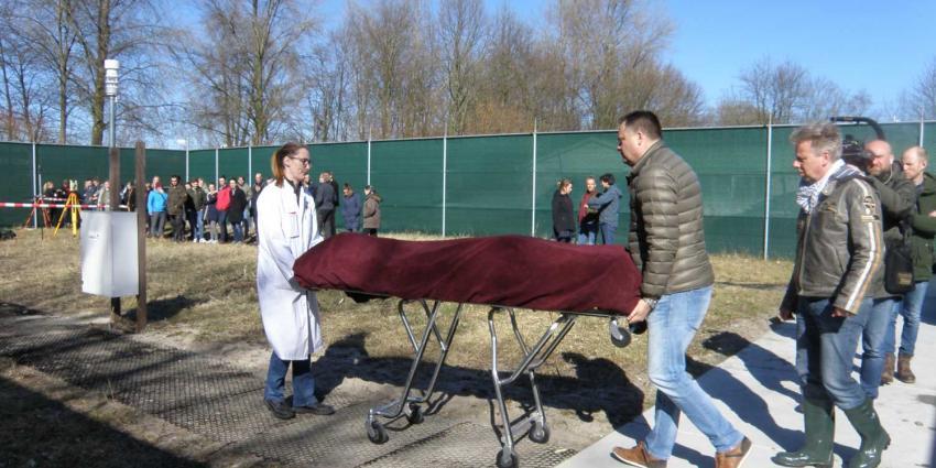 Eerste lichaam begraven op AMC-terrein om ontbinding te monitoren