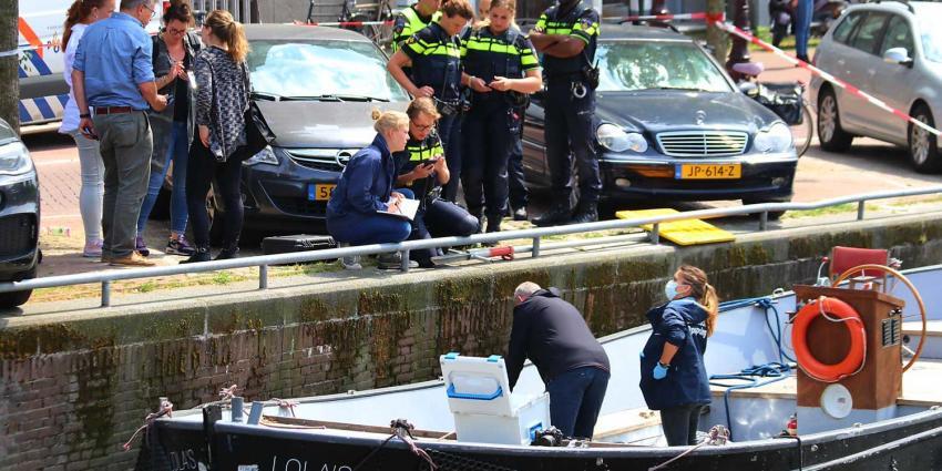 Stoffelijk overschot aangetroffen op boot in Amsterdam