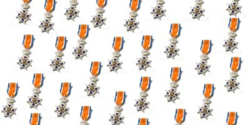 Lintjesregen 2015, voor 2.838 personen een Koninklijke onderscheiding