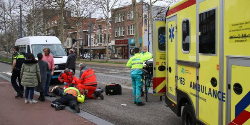 Man in scootmobiel zwaargewond na aanrijding