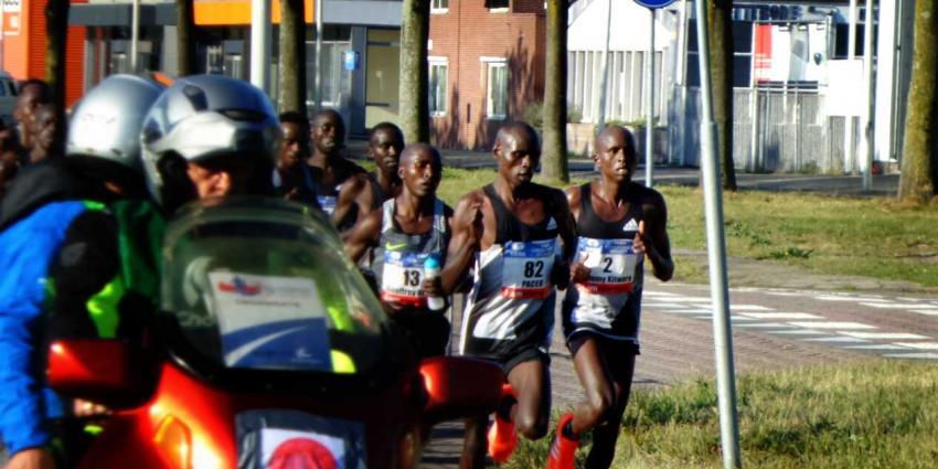 Wanjiru wint zonnige Marathon van Amsterdam en zet nieuw parcoursrecord