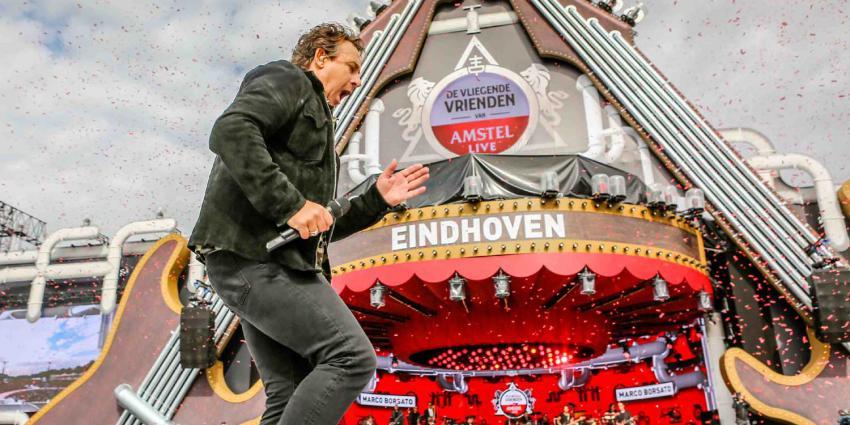 Artiesten vliegen met heli naar Eindhoven, Zwolle en Amsterdam