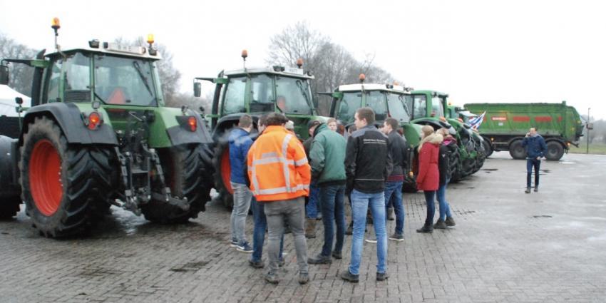 Boerenprotest voor provinciehuis