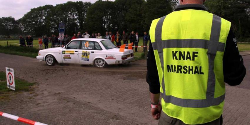Foto van marshal auto rally ELE 2013 | Fons Hendriks | www.hendriks-multimedia.nl
