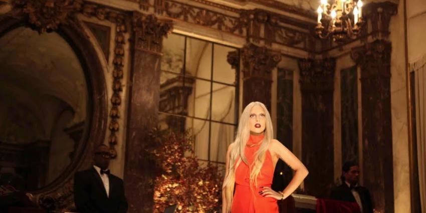 Lady Gaga's jumpsuit te koop